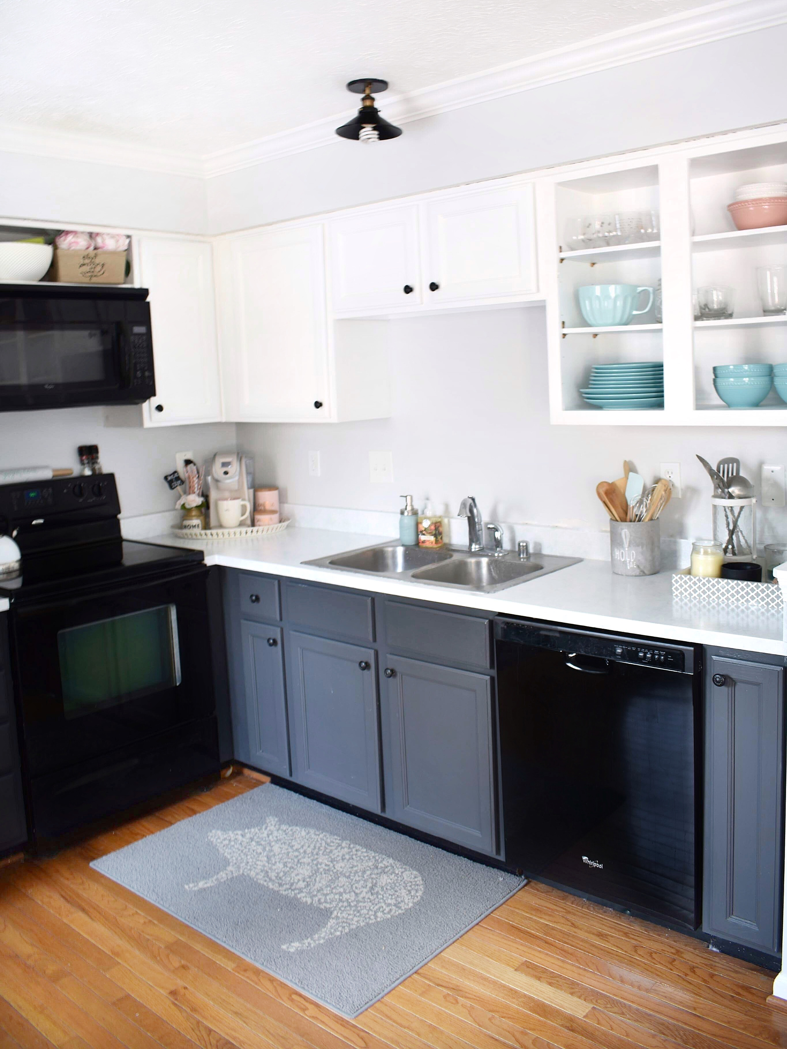 the best cabinet paint for an easy and stress free diy kitchen makeover. Black Bedroom Furniture Sets. Home Design Ideas